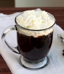 Aromatizuota airiška kava su viskiu