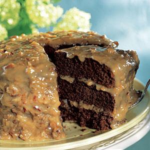 Vokiškas šokoladinis  pyragas (3 dalys)