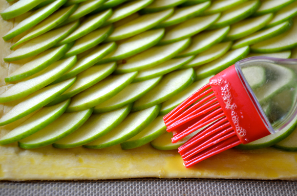 karamelinis-obuoliu-pyragas6