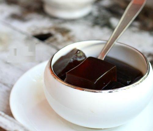 Gardi kavos želė su grietinėle