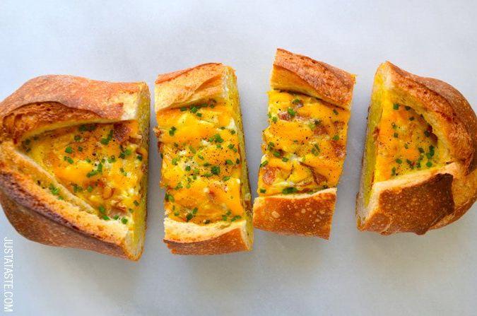 """Pusryčiams: duonos """"valtelė"""" su kumpiu, sūriu ir kiaušiniu (video)"""