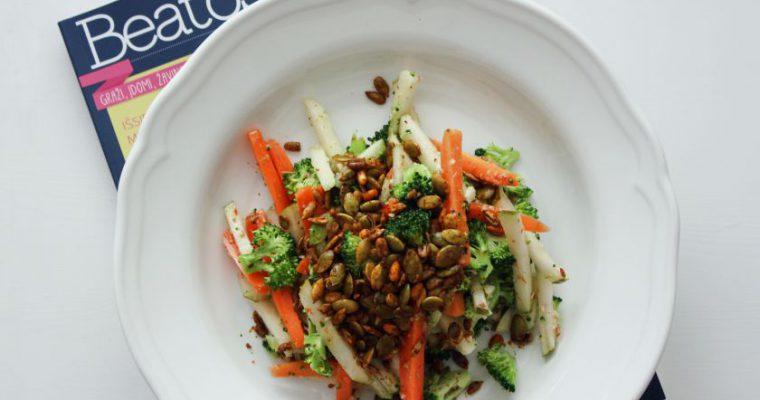 Morkų, brokolių ir kriaušių salotos