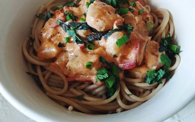 Pilno grūdo spagetti su krevečių padažu