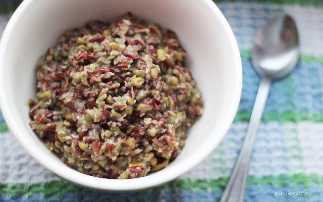 Mung dalas pupuolių troškinys su raudonaisiais ryžiais