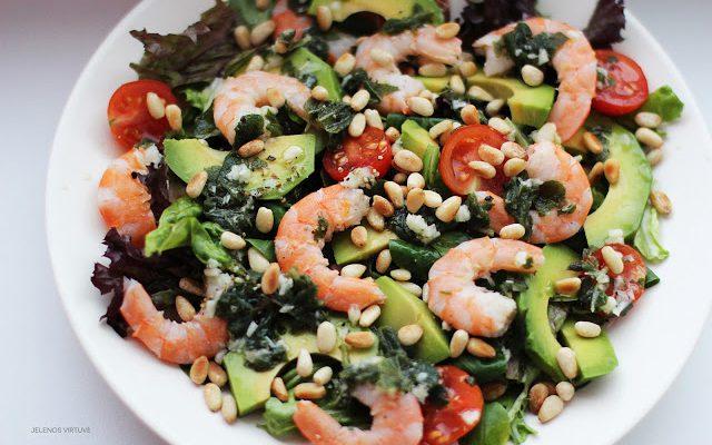 Salotos su krevetėmis, avokadu  ir kedro riešutais