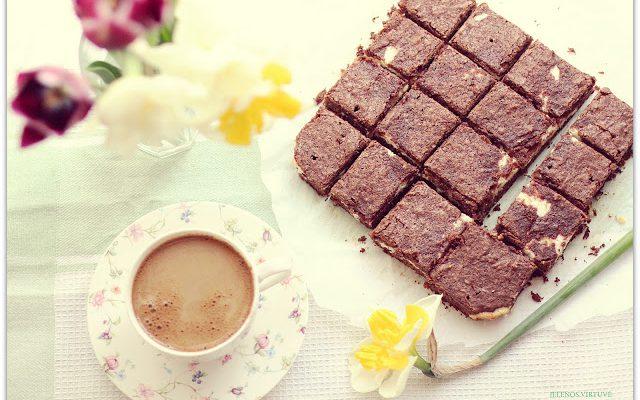 Šokoladinis pyragas su varškės įdaru