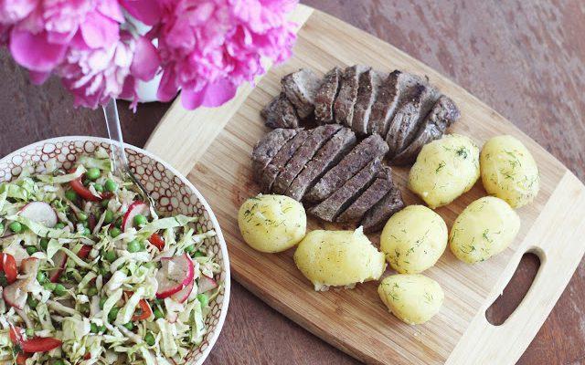 Jautiena su šviežiomis bulvytėmis ir gaiviomis salotomis