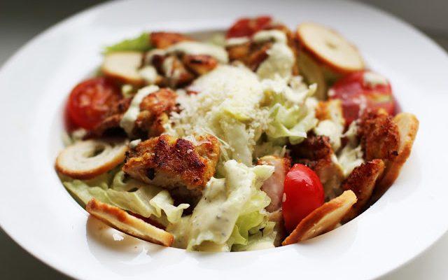 Cezario salotos su traškia triušiena