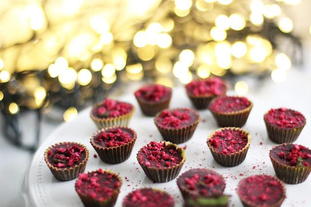 Šventiniai naminiai saldainiai su Matcha