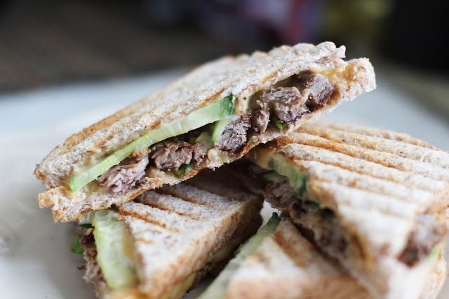 Karšti sumuštiniai su antiena