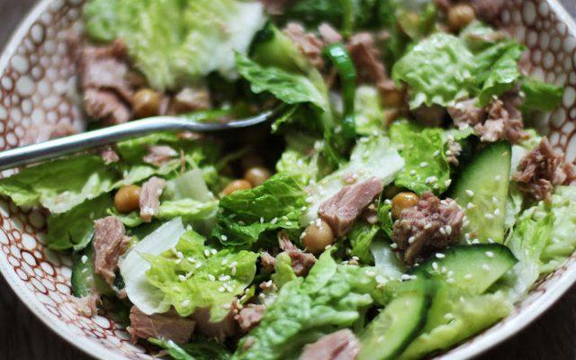 Gaivios tuno salotos su avinžirniais