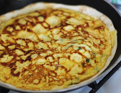 Tortilijos su omletu, žalumynais ir sūriu