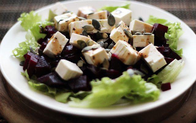 Burokėlių salotos su feta