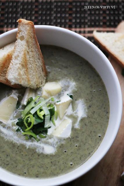 Brokolių ir pievagrybių trinta sriuba