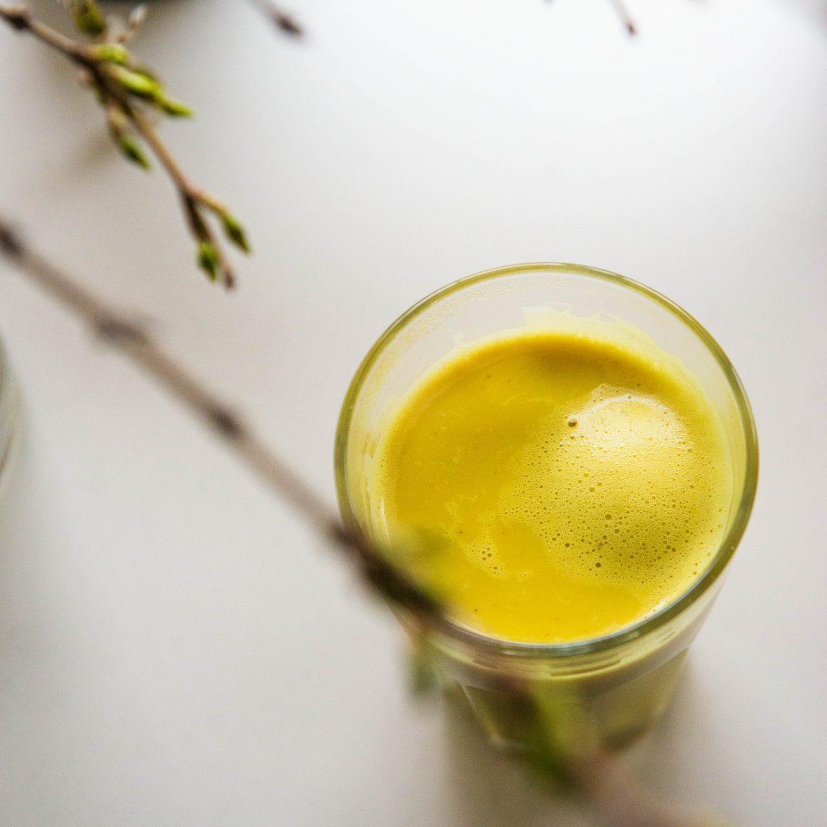 Auksinis pienas – ypatingas ciberžolės gėrimas