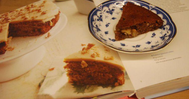 Datulių ir riešutų pyragas