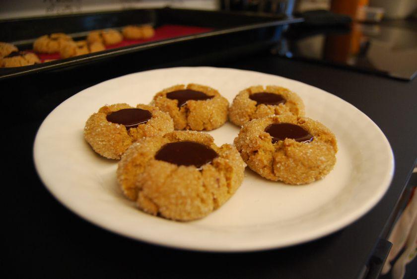 Riešutų sviesto sausainiai sušokoladu