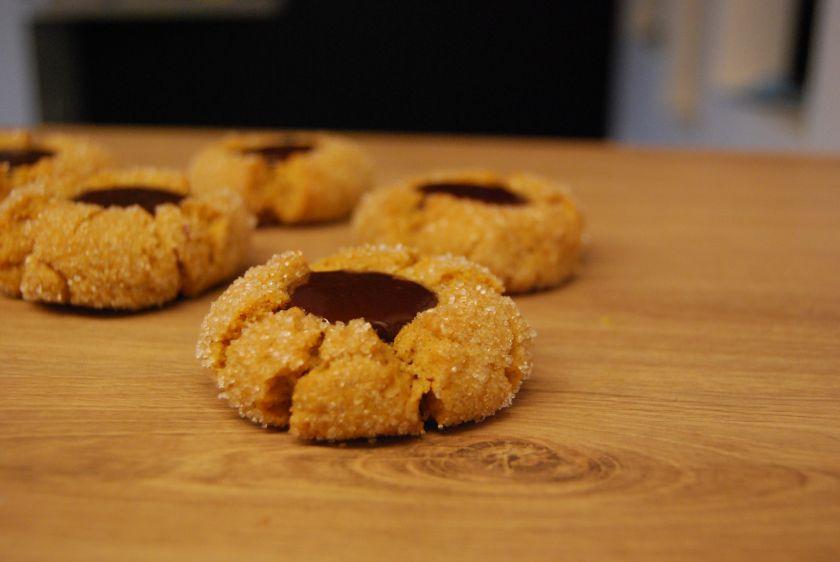 Riešutų sviesto sausainiai su šokoladu – dvigubas malonumas