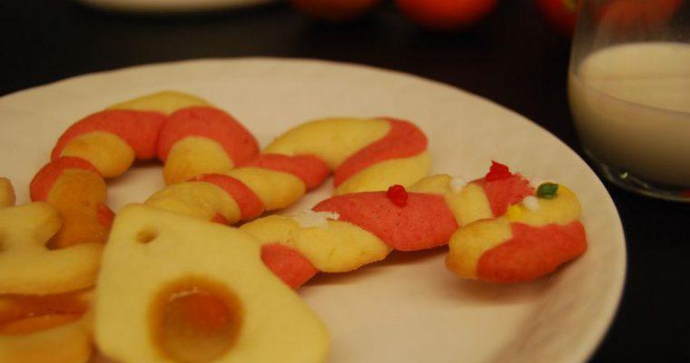 Kalėdiniai sausainiai – viena tešla, o sausainiai dviejų rūšių
