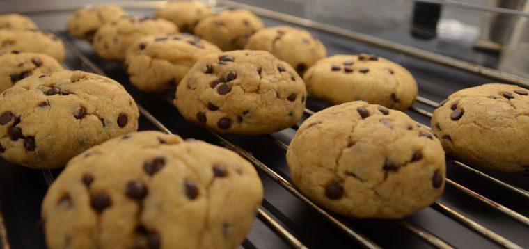 Tradiciniai sausainiai su šokolado gabalėliais