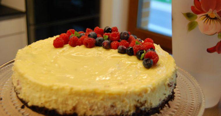Sūrio pyragas su avietėmis