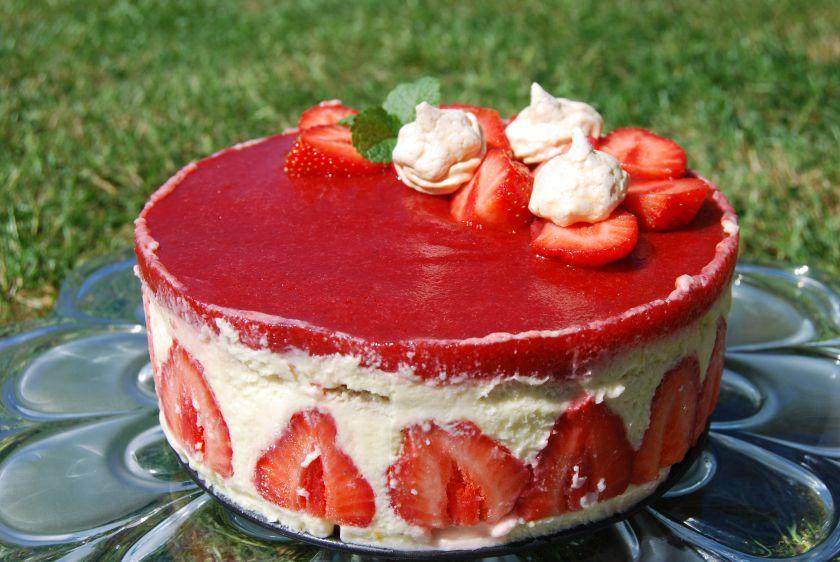 Tortas Fraisier – vanilinis su braškėmis