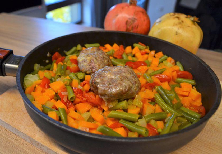 Mėsos maltinukai su daržovėmis