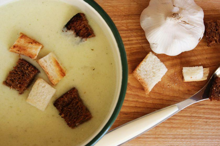 Česnakinė sriuba