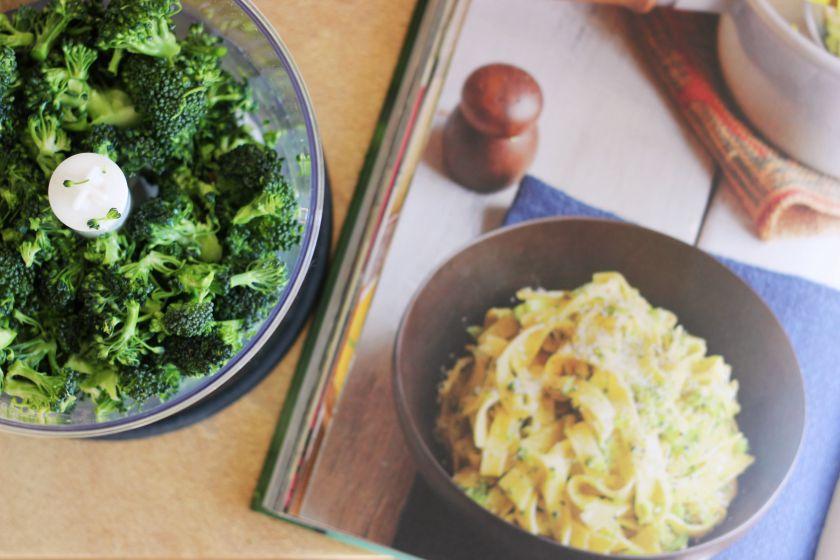 Pasta brokolinara (pagalBeatą)