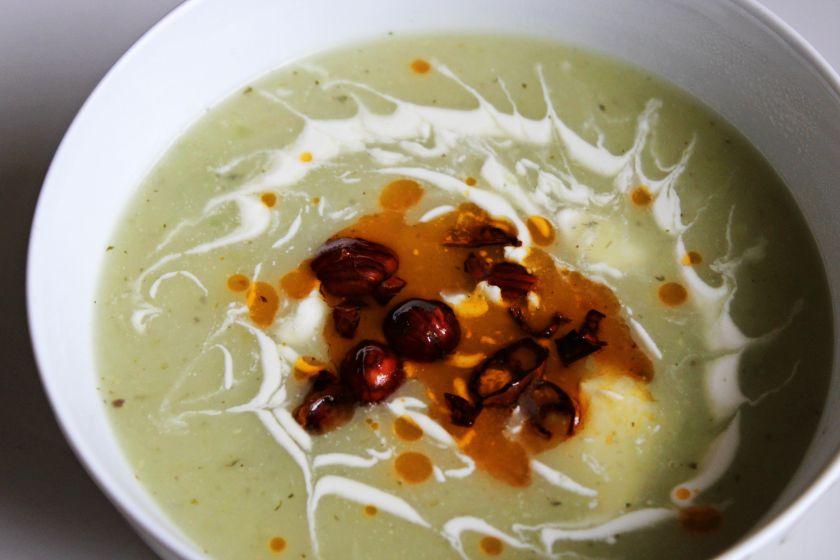 Bulvių ir salierų sriuba