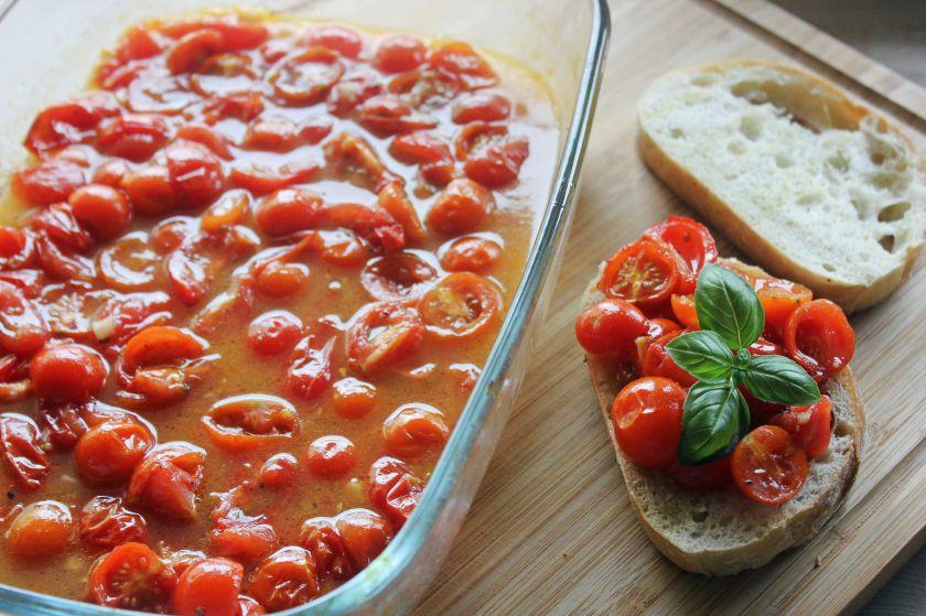 Vyšninių pomidorų užkandis su medumi