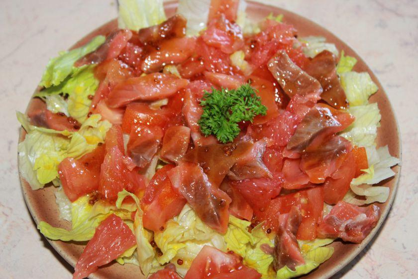 Salotos su greipfrutu irlašiša
