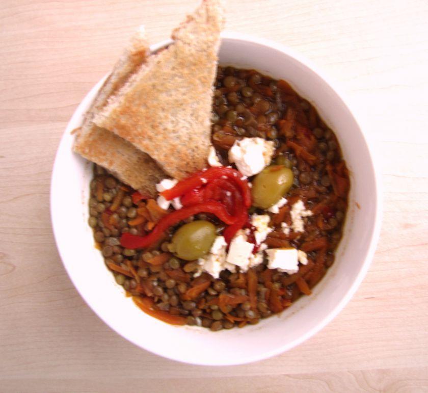 Lęšių-morkų sriuba su keptomis paprikomis