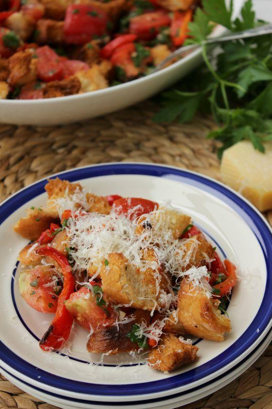Toskanietiškos duonos ir pomidorų salotos