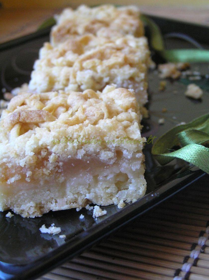 Trupininis pyragas su kokosais ir obuoliene
