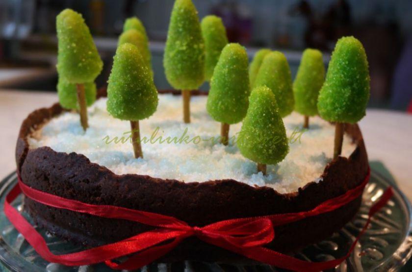 Marcipaninės masės eglutės/medeliai torto papuošimui