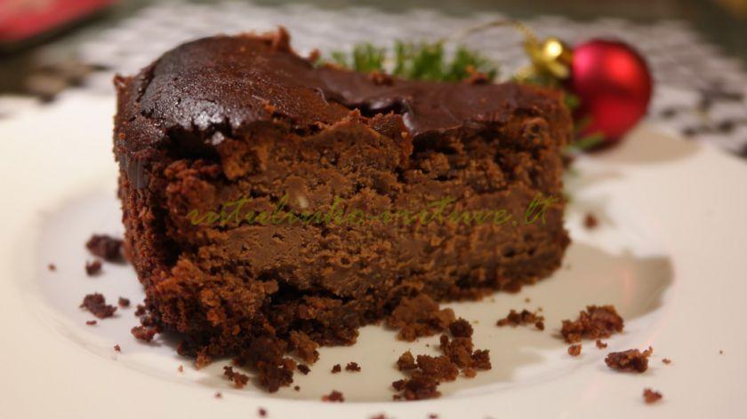 Šokoladinis varškės tortas su žemės riešutų sviestu