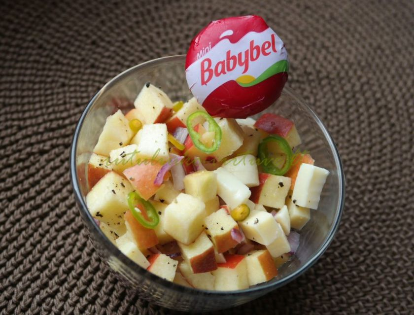 Salotos su obuoliais ir sūriu