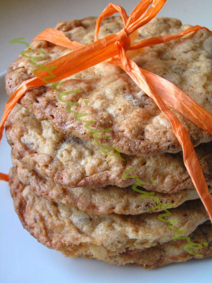 Greitai pagaminami avižiniai sausainiai [su žemės riešutų sviestu ir šokoladu]
