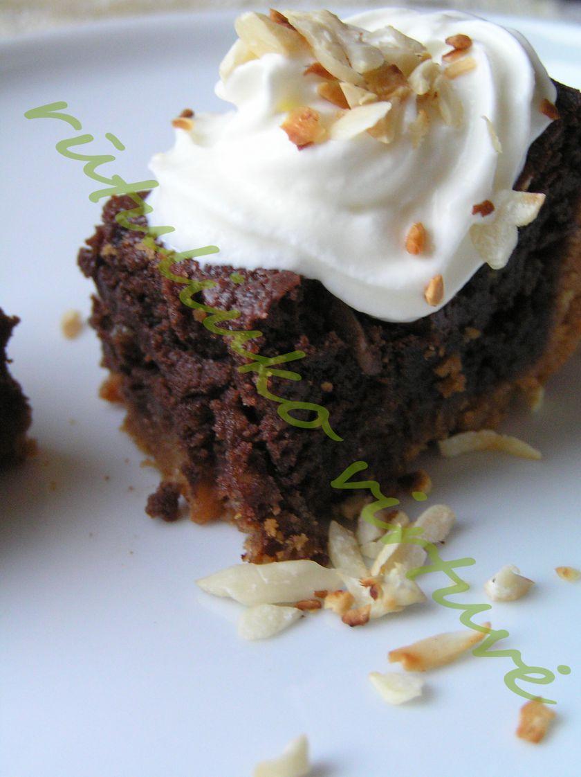 Riešutais kvepiantis tortas su Nutella
