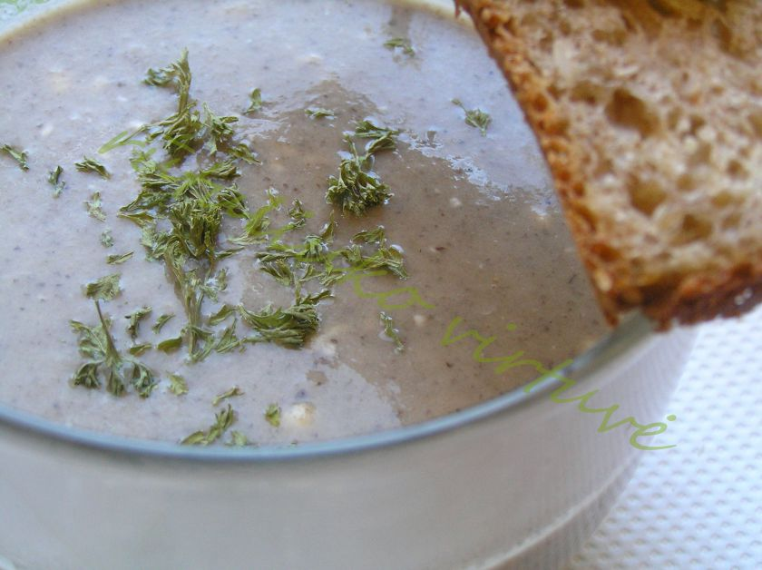 Tiršta trinta pievagrybių – sūrio sriuba