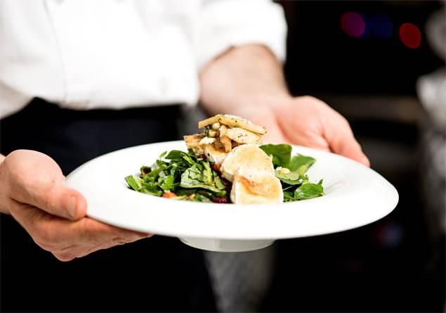 Šiuolaikinė gastronomija ir gurmė patiekalų restoranas Trakuose