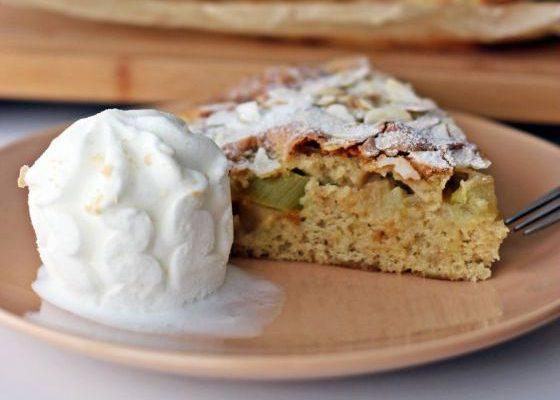 Laisvės skonio rabarbarų pyragas