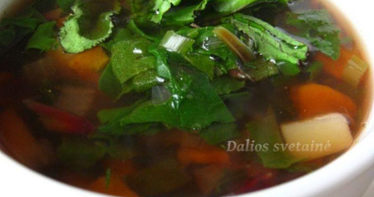 Jaunų burokėlių lapų sriuba