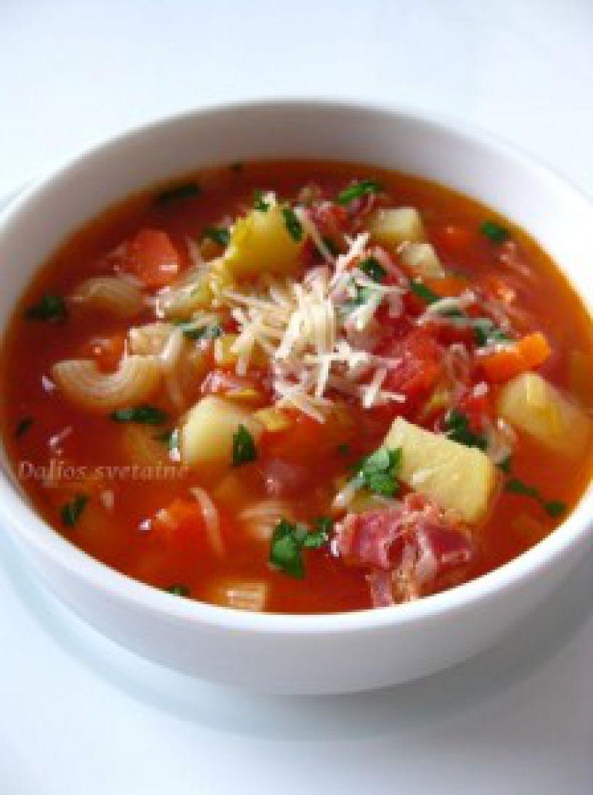 Makaronų sriuba su bulvėmis, kumpiu, porais