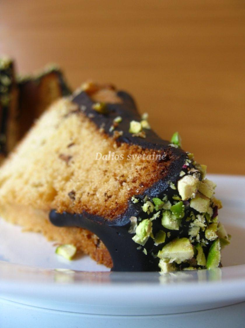 Marcipaninis keksas su vanile ir šokolado gabaliukais