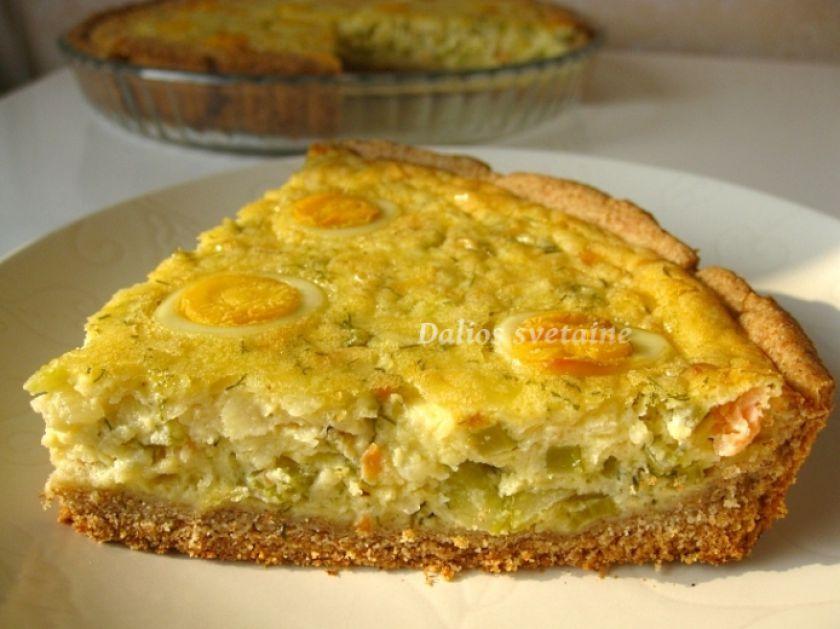 Spelta miltų pyragas su salierais, lašiša ir putpelių kiaušiniais