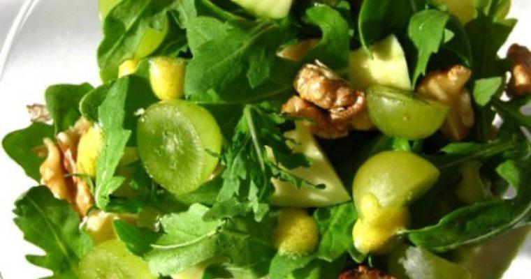 Salotos su vynuogėmis ir avokadu