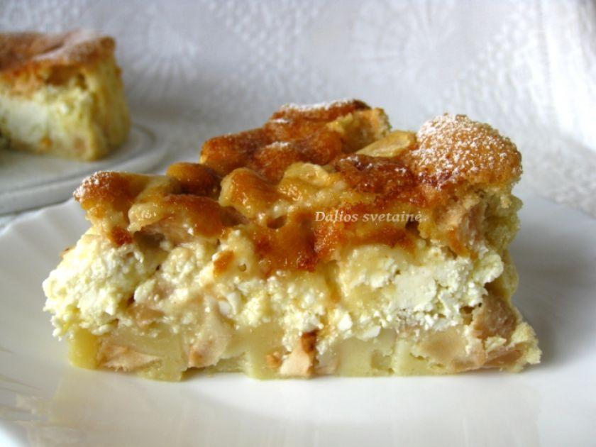 """Obuolių pyragas """"Šarlotė"""" su varške"""