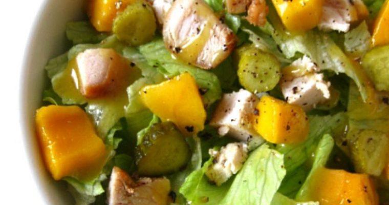 Vištienos ir mangų salotos